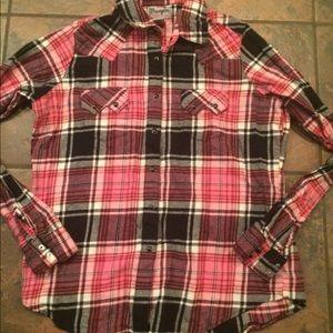 Wrangler shirt size large